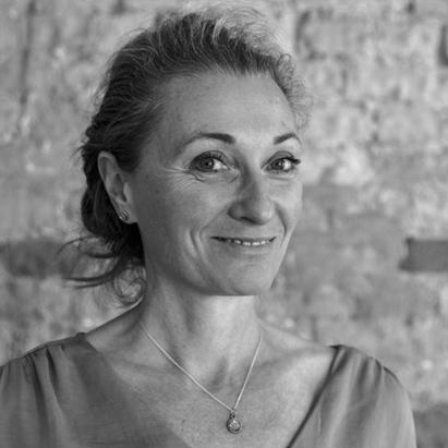 Judith Mateffy im Yogastudio Pankow