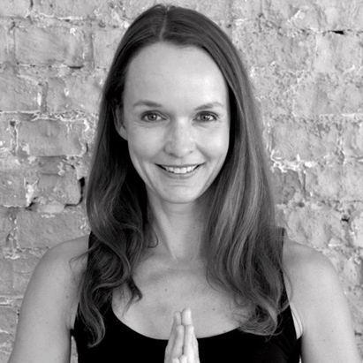 Stefanie Mallach im Yogastudio Pankow