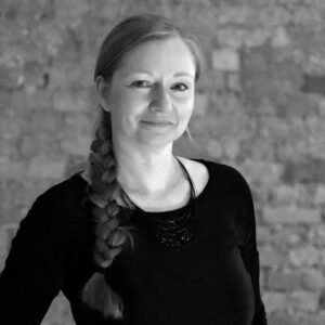 Yvonne Müller im Yogastudio Pankow